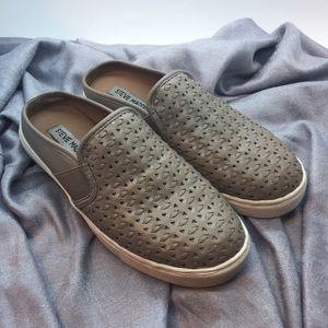 EUC Steve Madden Slope Shoes Size 6